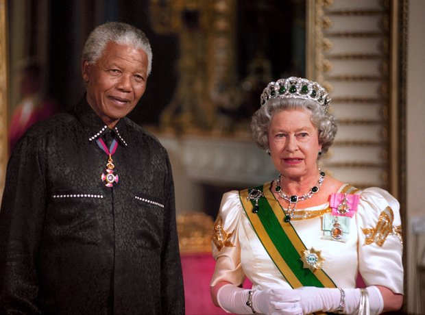 The Queen & Nelson Mandela, 1996