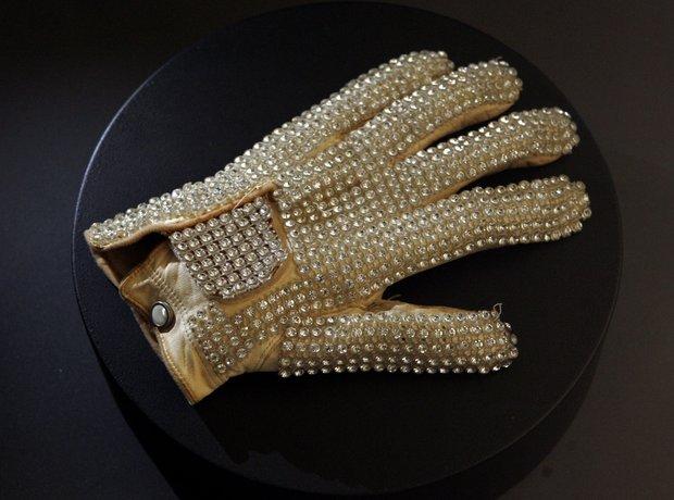 Michael Jackson Billie Jean Glove